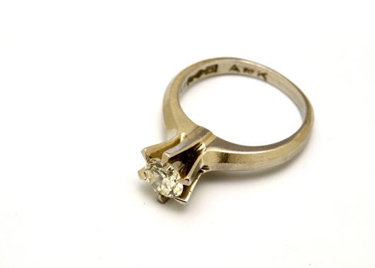 花のデザインのリングの元枠